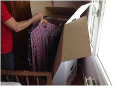 penderie vêtements sur cintres